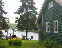 Tremblant Waterfront Cottage